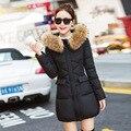 2017 Nuevo más el tamaño de invierno de las mujeres abajo chaquetas 5 colores mangas largas chaquetas con capucha cuello de piel moda delgado invierno acogedor abrigos