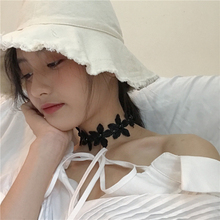 Korean fashion girl retro lace flower petals pearl choker necklace chain wild clavicle chain collar stylish faux pearl bow flower lace choker necklace