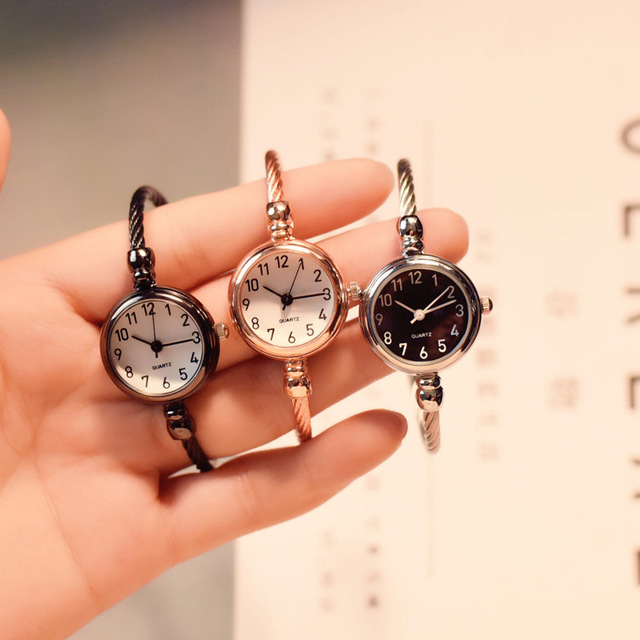Small fashion women watches 2018 popular brand simple numbers bracelet watch ret