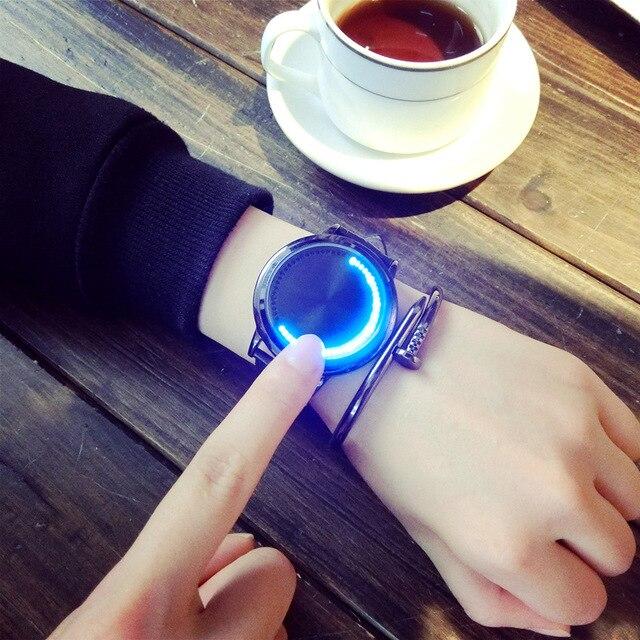 Personalidade criativa Minimalista de Couro Normal Relógio Inteligente Eletrônica À Prova D' Água LEVOU Assistir Homens E Mulheres Casal Ocasional Relógios