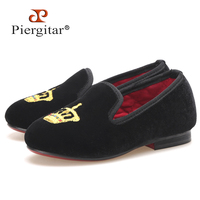Piergitar New Kid Velvet Shoes With Gold Crown Embroidery Handmade Children Slippers Birthday Party Kid Loafers