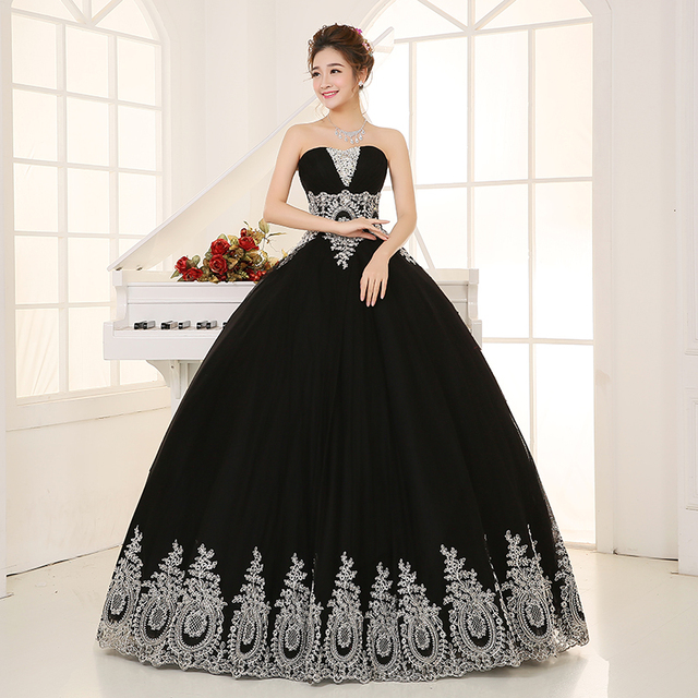 black with silver lace embroidery beading veil ball gown Medieval ...