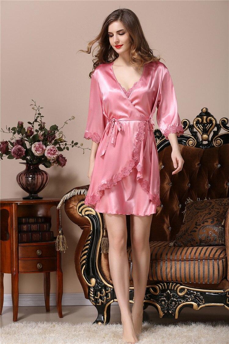 Compra bata de seda floral de dama de honor online al por mayor de ...