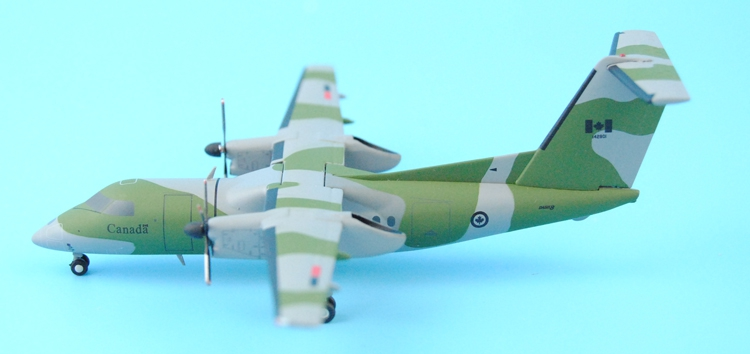 new Special offer JC Wings 1: 200 XX2583 Canadian Air Force DHC-8-102 Alloy aircraft model Collection model Holiday gifts fine special offer jc wings 1 200 xx2457 portuguese air b737 300 algarve alloy aircraft model collection model holiday gifts