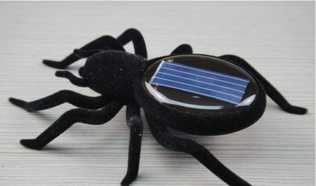 Free-shipping Solar Toy Smart Spider moving around with Solar Power Real Trick-playing Toy