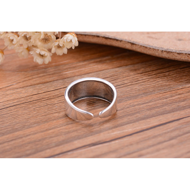 JEMMIN Vintage Fashion Elegant Open Cuff Finger Rings Retro Delicate Flower Carvings Unisex Woman/Man Cosplay Wide Band