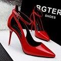 Novas Mulheres Bombas Shes Europa Moda de Alta-salto alto Sapatos de Saltos Finos Fanfarrão de Salto alto Sandália Apontou Vermelho Escavar Sapatos Único G2981