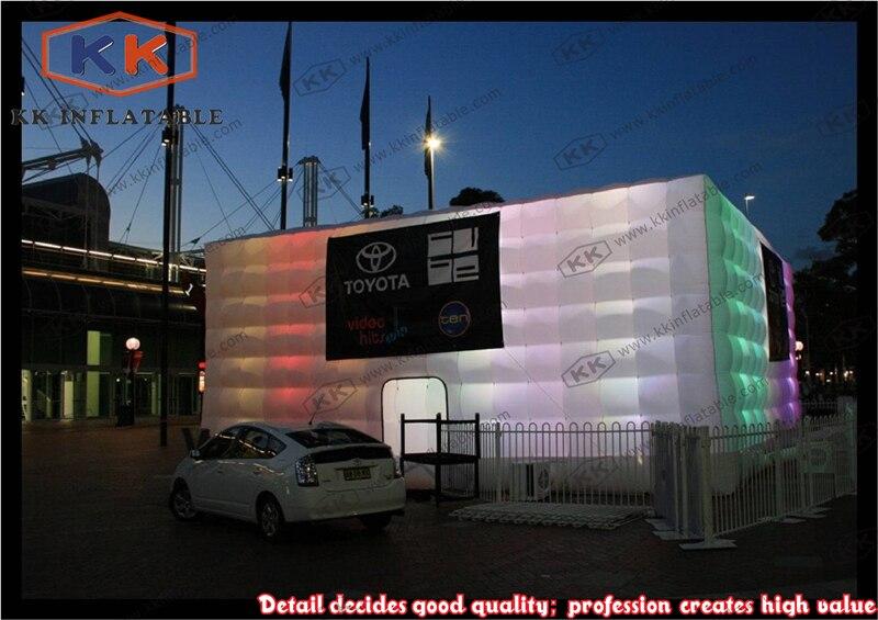Tente gonflable géante Cubical avec lumière LED pour le salon de voiture
