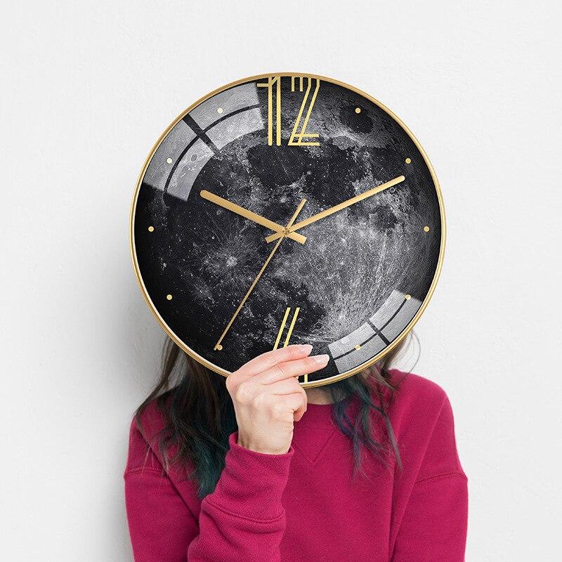 Heat! Nordic Simple Personality Creative Wall Clock Modern Home Clock Study Ultra Quiet Clock Fashion Decorative Quartz Clock