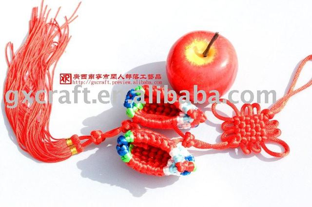Wholesale Export Elegant Chinese Knot Fine Embroidered Shoes