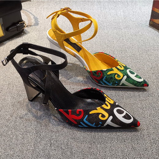 Colorful Letters Women Canvas Pumps 2019 Spring New Fashion Graffiti Pointed Toe Woman High Heels Street Style Mary Janes ShoesColorful Letters Women Canvas Pumps 2019 Spring New Fashion Graffiti Pointed Toe Woman High Heels Street Style Mary Janes Shoes
