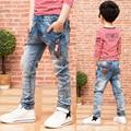 Новый 2016 весна/осень ребенок Мужского пола джинсы ребенок брюки тонкий светлый цвет мальчик тонкие узкие брюки высокого качества горячей продажи