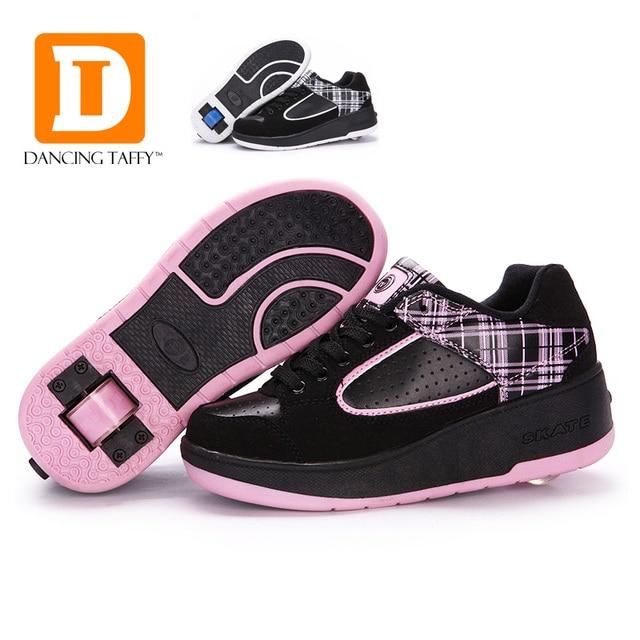 9c93e6ae4ccb8 Nouveau 2018 Fasion Enfants Chaussures Avec Roues Filles Garçons Patin À  Roulettes chaussures Pour Enfants Sneakers