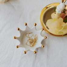 Decorative Crown Ceramic Sauce Dish Small Jewelry Storage Rack Rings Bracelets Earrings Trays Holder Creative Gift For Women(China)