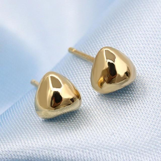 Simple Vintage Heart Stud Earrings