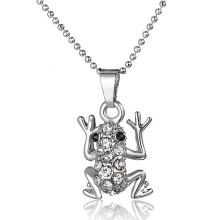 2017 Animal Frog Alloy Rhinestone Sweater Chain Long Chain Animal Pendant Necklace Jewelry CX17