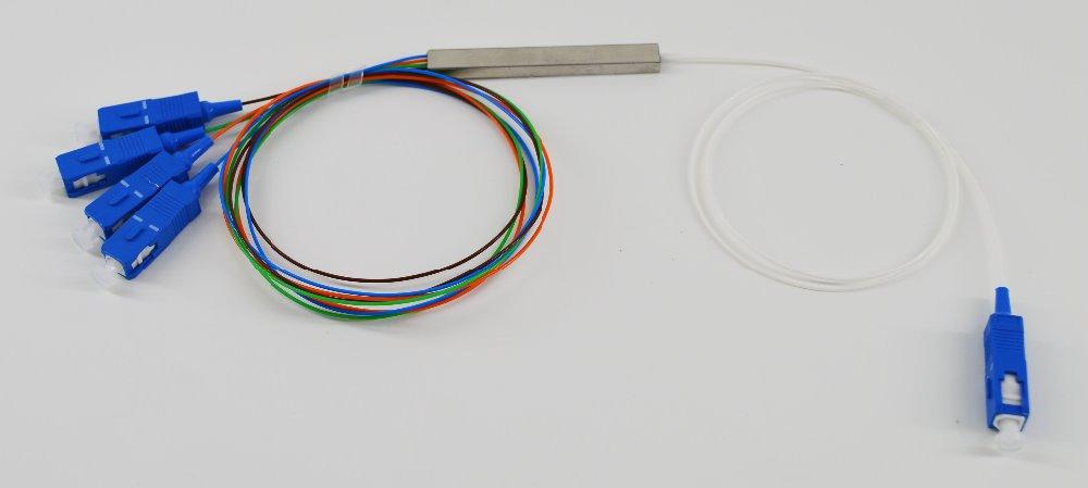 Free Shipping 10pcs/lot 0.9mm Steel Tube 1x4 Mini Blockless 1*4 SC/UPC 4 Way Fiber Optic PLC Splitter