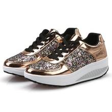 Damskie buty na platformie klinowe trampki sznurowane Bling damskie buty srebrne złoto białe cekiny klinowe Sneaker Zapatos Mujer Dropshipping tanie tanio Dla dorosłych Lace-up Med (3 cm-5 cm) Wiosna jesień Pasuje prawda na wymiar weź swój normalny rozmiar Gumowe Women Shoes