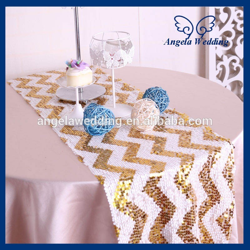 RU018B For Sale Wholesale Fancy Metallic Wedding Beaded Gold And White  Chevron Sequin Table Runner(