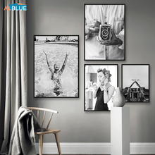 Fotografía de la pared de la Cámara de la vendimia de la muchacha de la natación pintura de la lona blanca negra póster nórdico e impresiones modernas de la pared para la sala de estar