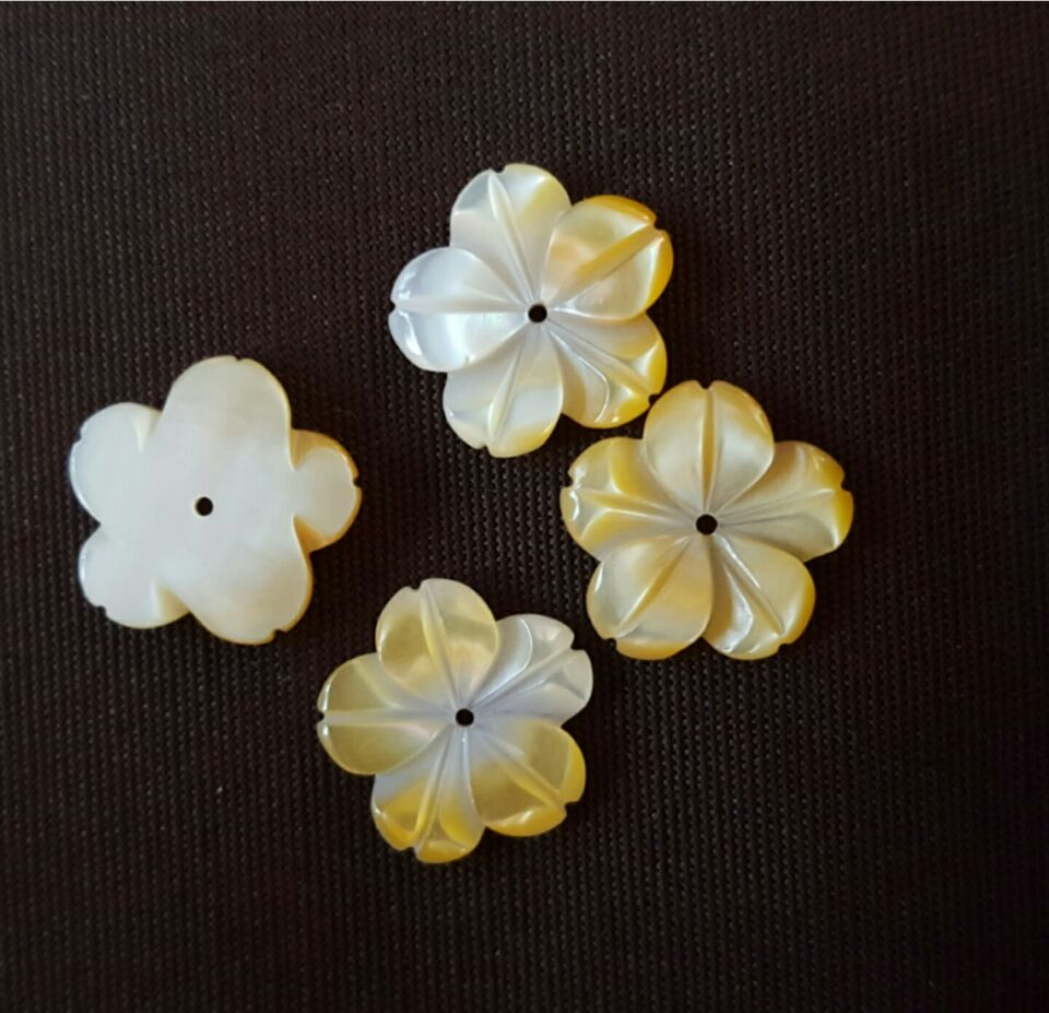 Wholesale Whitelip Seashell/ Middle Hole Flower Petal/ Mother of ...