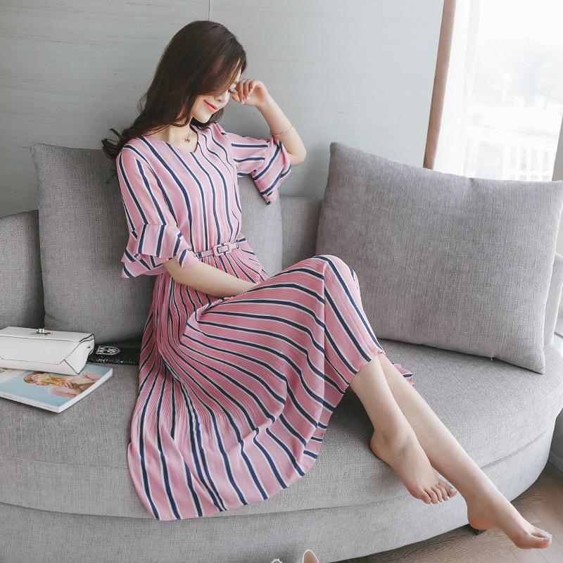 2018 summer new hit color stripes half lotus sleeve Slim fit dress