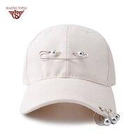 2017 뜨거운 판매 고품질 솔리드 야구 모자 브랜드 캐주얼 모자 야외 패션 철 반지 여성 남자 폴리 에스테르 모자