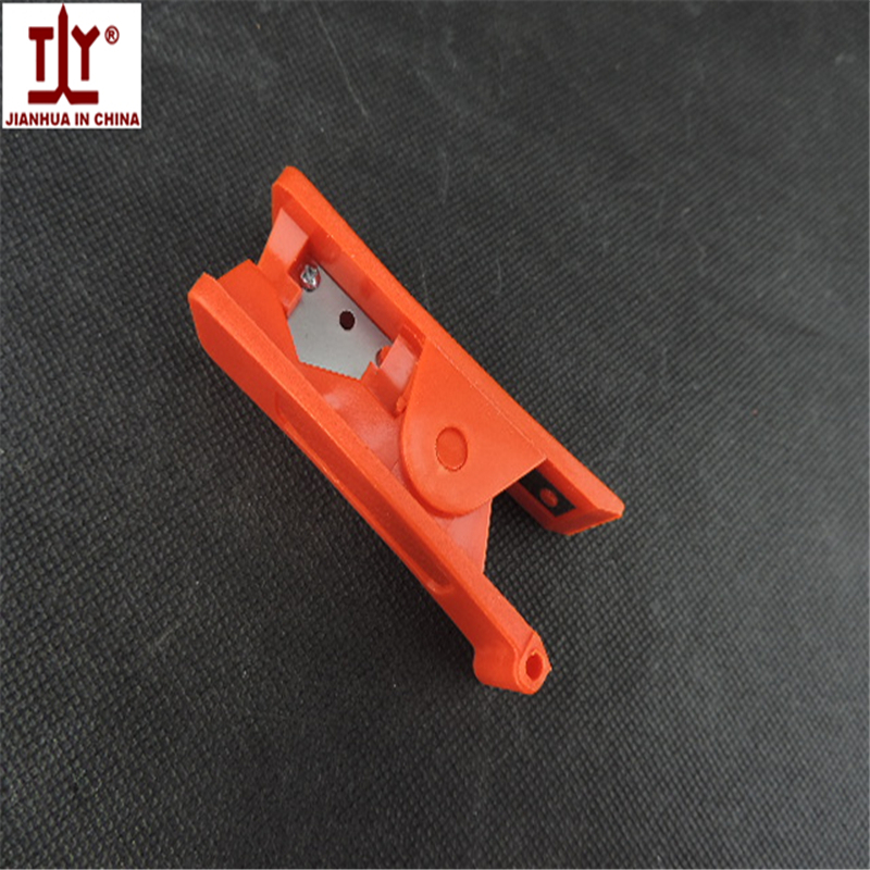 цены  FREE SHIPPING hand tools Pneumatic fittings16mm pu/pe hose tube Cutter or cutter/Scissors for plastic tube/pipe hose Tube Cutter