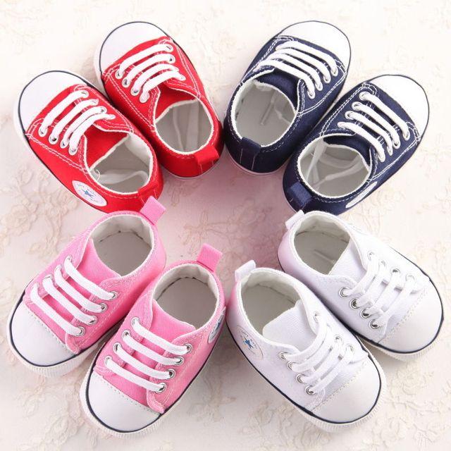 Yenidoğan bebek bebek kız erkek rahat moda Cribs ayakkabı 4 renk Patchwork dantel Up pamuk yumuşak tek bebek ayakkabıları 0 -18 M