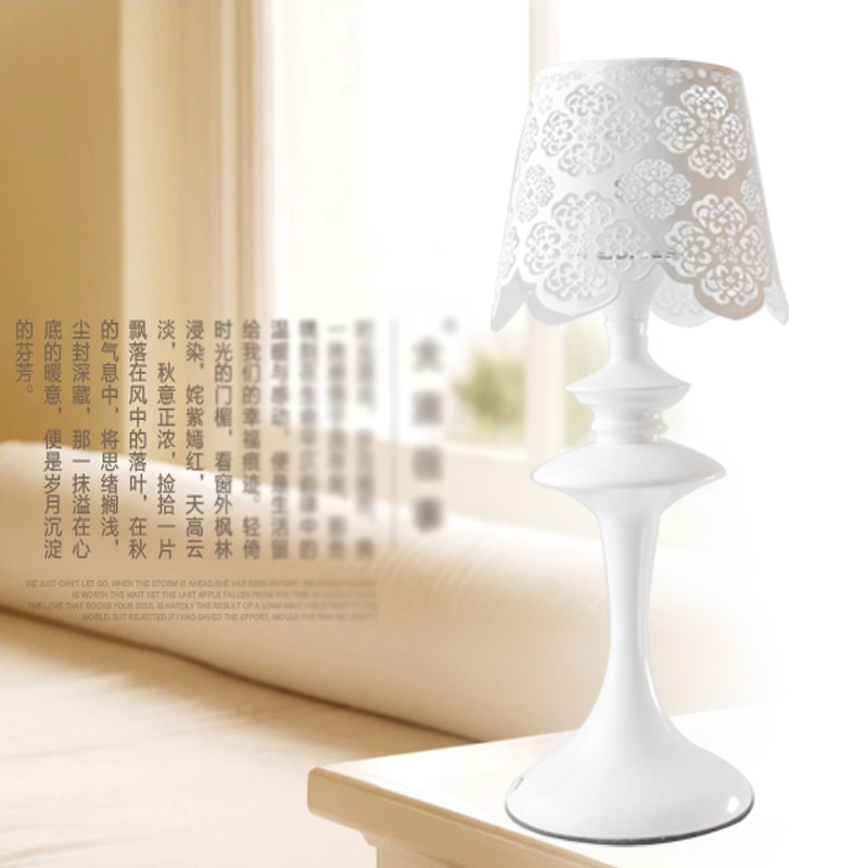 New European Style Lace Iron Lamp Vertical Gift Bedroom Bedside Decorative Table Study Lamps bedroom bedside lamp european style garden lace wedding celebration cloth decoration gift new red lamp