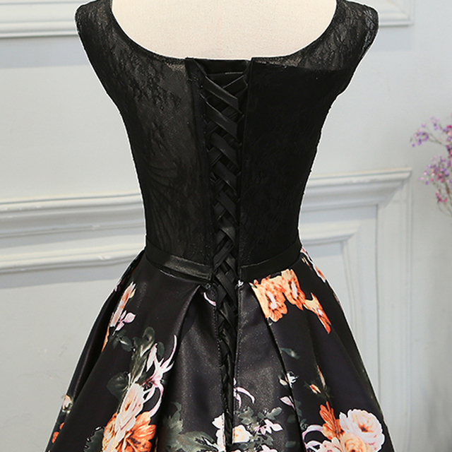 Evening Dresses Retro Black Flowers Lace Sleeveless Women Built-In Bra Floor-Length Formal Wedding Party Gown New