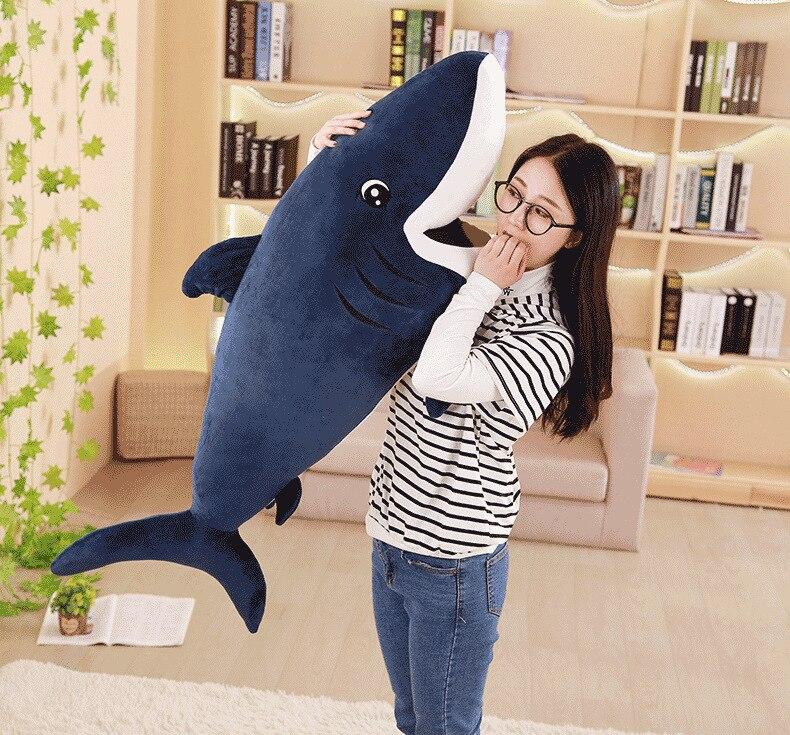Gros jouet en peluche requin belle bleu foncé en peluche monde sous-marin requin poupée cadeau environ 120 cm