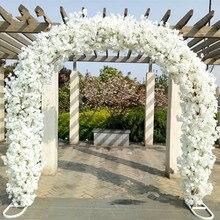 Centre de table de mariage de luxe porte en métal porte en arc de fleurs de cerisier avec fleurs de cerisier pour décor de mariage