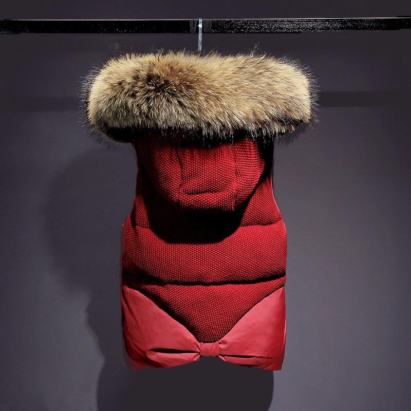 Жилетки 2016 Нові зимові куртки Великий справжній меховий комір жіночий короткий модний теплий твердий жилет з капюшоном коричневий хутряний жилет