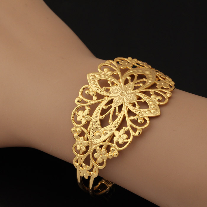 Cute Gold Bangles New Design Photos Photos - Jewelry Collection ...