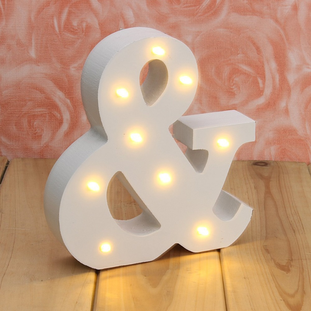 Letras de madera blancas Decoración Artesanía Luz Kids Room Nightlight interior LED Decoración de la boda Alfabeto Figuras Miniaturas Regalo