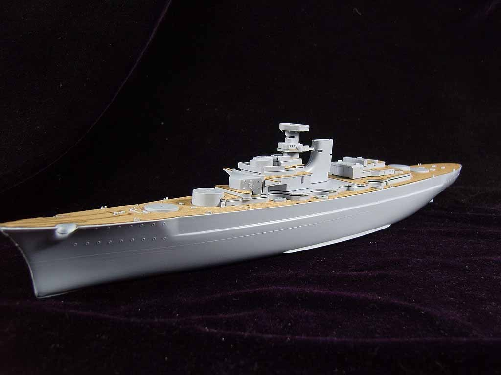 /Airfix/A04204 the German battleship ARTWOX Bismarck wood deck AW50019 ba904 academy wwii german artwox battleship bismarck wood deck aw10047