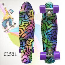 "Kunststoff Skateboard 22 ""Glänzende farbe gemischt Skate Cruiser Board Kunststoff Retro Stil Banana Skateboard Licht Mini Longboard"