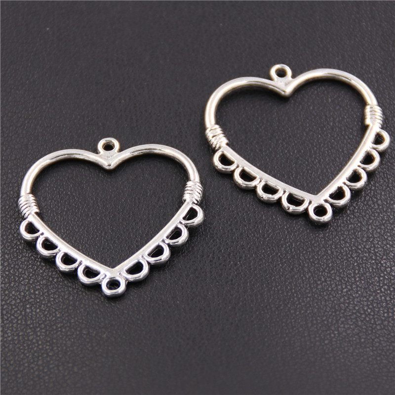 8pcs Antique Silver Hollow Jewelry Necklace Pendant Heart Shape Charms Jewelry Fine Handmade Gifts Craft A2381