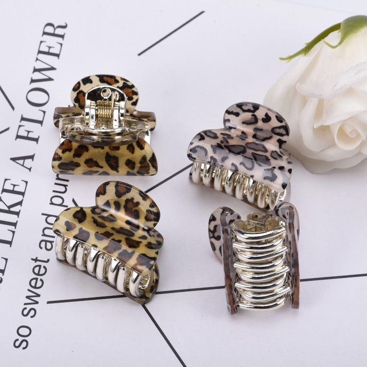 2019 Newest Designer Hair Claw Clips For Women Fashion Leopard Print Acrylic Plastic Hairpin Gold Tins Hair Clips Accessories