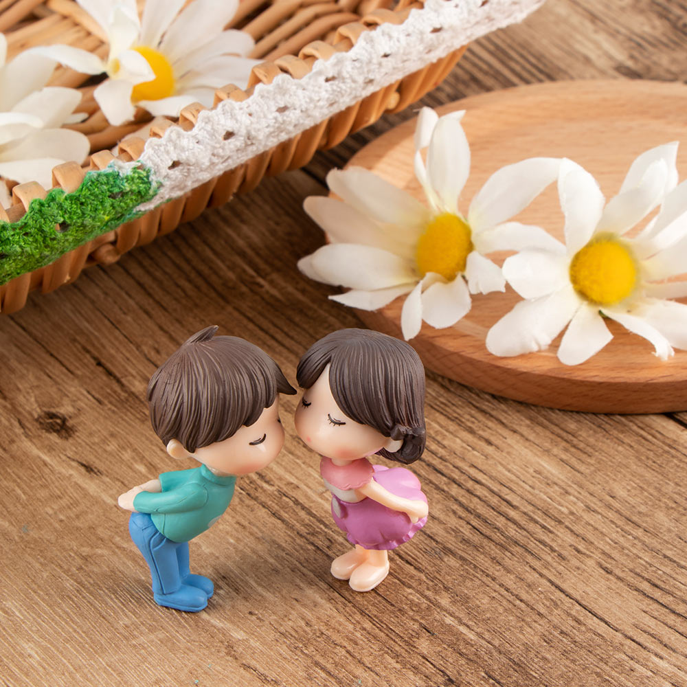 Garden Decor Moving Forest Micro Landscape Couple Resin Ornaments Sweety Lovers