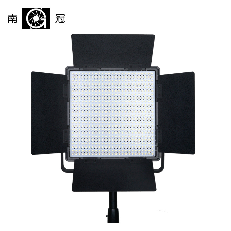 цена Nanguang CN-600SA 2 Filter 600 PCS Led Camera Studio Video Light Storm Led Fill Light Daynight Annular Lamp With Bags