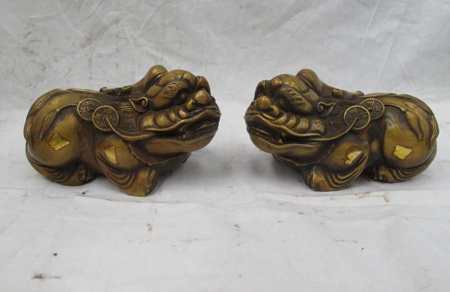 Chinese Classical Bronze Copper Wealth Coin Fu Foo Dog Lion Dragon Pixiu Pair