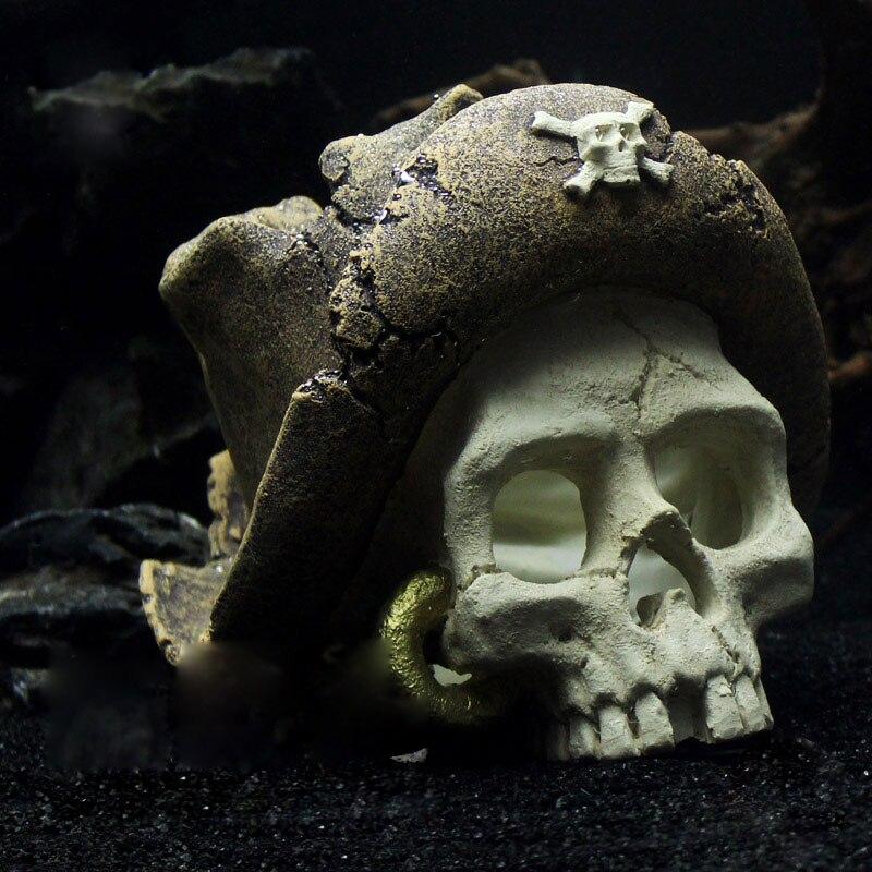 Pirate Captain's Hat Skull Head Aquarium Ornaments Distressed Resin Landscaping Accessories DIY Simulation Bones