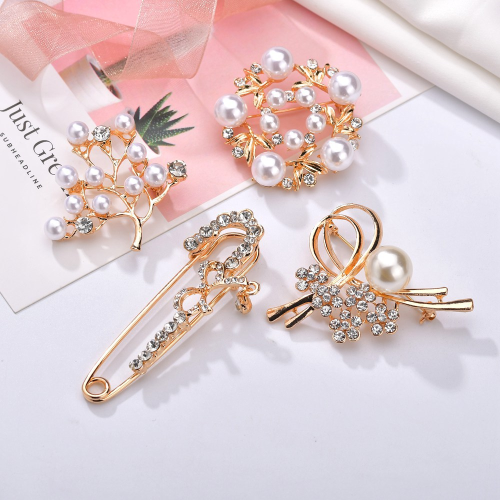 1PC Wedding imitation pearl brooch Fashion vintage alloy with rhinestone Womens jewelry accessories 4 styles