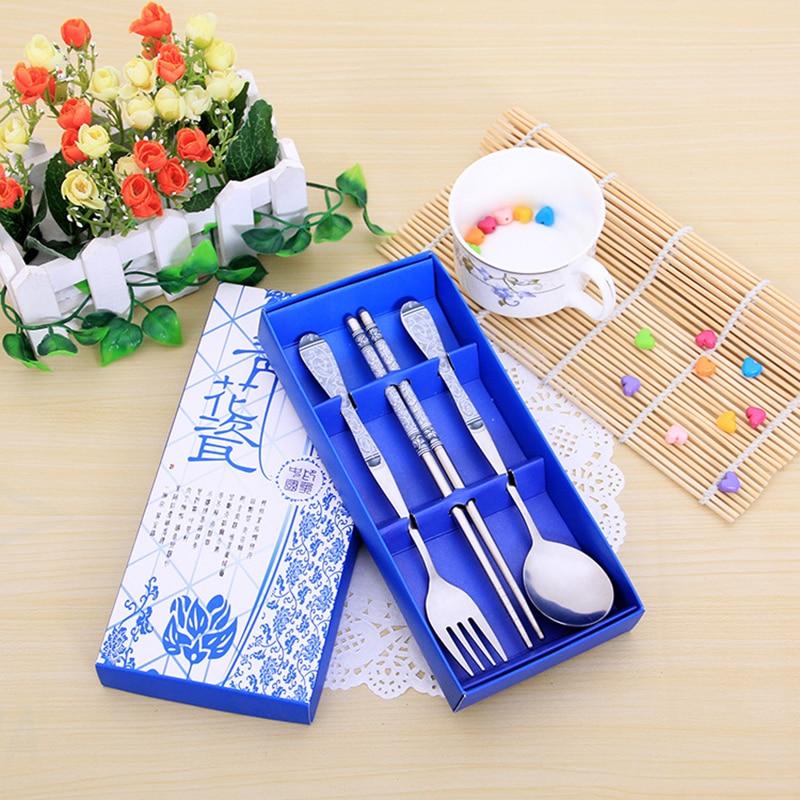 Modré a bílé porcelánové dárkové sady z nerezové oceli s vidličkou