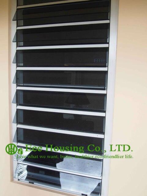 Color blanco cristal de aluminio ventanas con persianas con vidrios ...