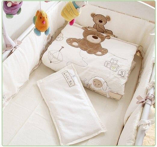 Remise! 7 pièces brodé pas cher prix bébé berceau literie coton ensemble bébé ensemble de literie, comprennent (pare-chocs + couette + feuille + oreiller)