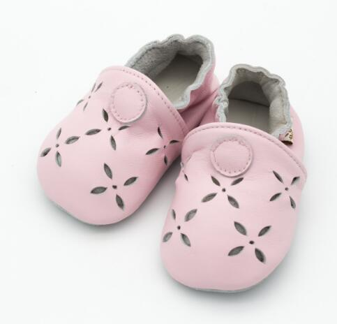 New Breathable genuine leather baby moccasins nonslip first walker shoes baby girls shoes Hollow flower shape toddler shoes