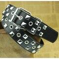 A estrenar 2014 de las mujeres cinturones de diseño de Metal Negro Pirámide Tachonado Cinturón de Cuero para Las Mujeres se visten de lujo Punk Rock envío gratis